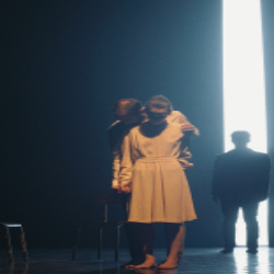 """Spectacle de danse """"Un homme à la mer"""" par Capucine Goust @ Centre culturel l'Écusson"""