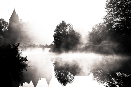 Chateau-de-Josselin-dans-la-brume