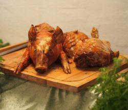 Cochon grillé - frites @ Centre culturel